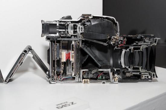 Pentax 645Z medium format digital camera cutaway