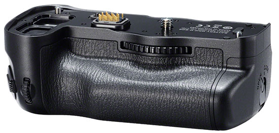Pentax-D-BG6-battery-grip-for-K-1-camera