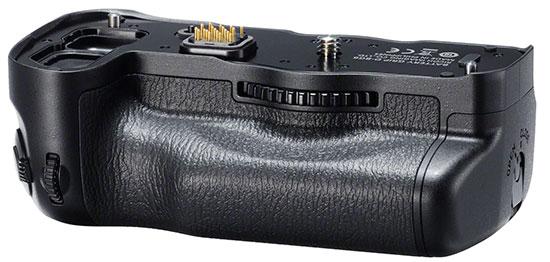 Pentax-D-BG6-battery-grip-for-K-1-camera