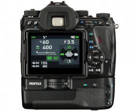 Pentax-K-1-battery-grip