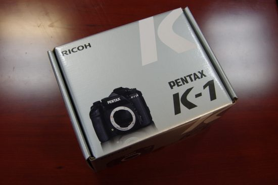 Pentax K-1 camera unboxing1