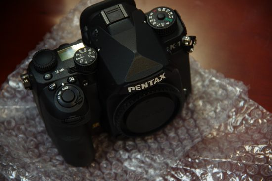 Pentax K-1 camera unboxing4