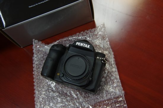 Pentax K-1 camera unboxing5