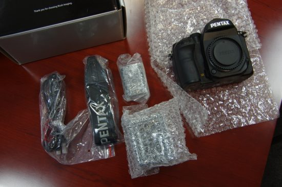 Pentax K-1 camera unboxing6