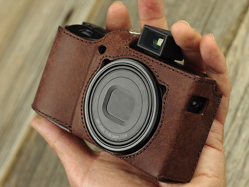 New: Ulysses leather cases for the Ricoh GR III camera - Pentax Rumors
